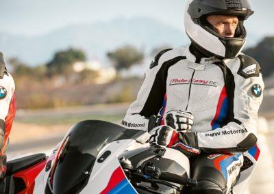P90329061_highRes_bmw-motorrad-suit-pr (Klein)